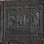 Gusseiserne Tafel am Eingan des Hofguts